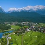Der malerische Ort Seefeld in Tirol